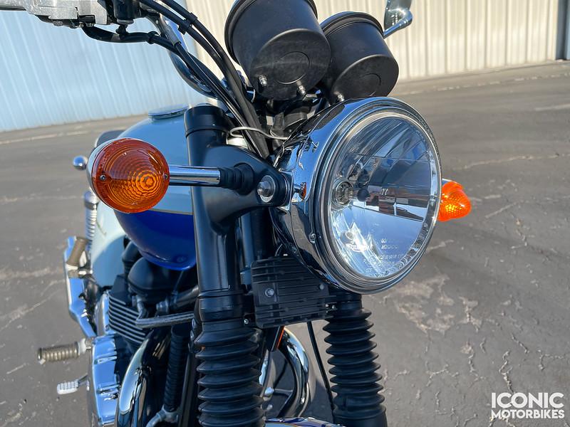 Triumph Bonneville Sixty -  (14)