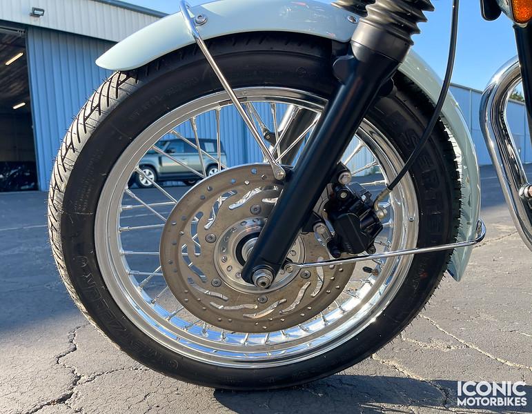 Triumph Bonneville Sixty -  (16)