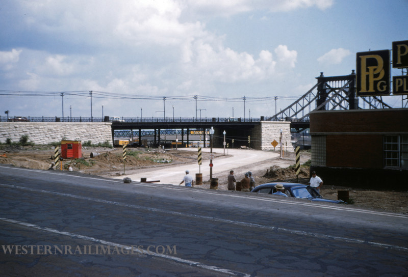 PSCO 105 - May 16 1955 - Grand & Market detour looking south - St Louis MO