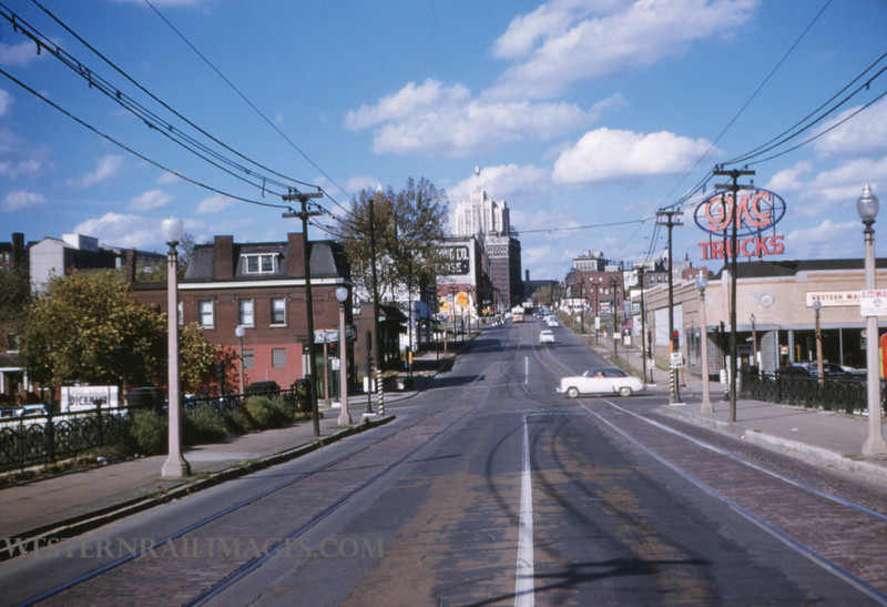 PSCO 39 - Oct 3 1954 - looking north at Grand & Market from bridge - St Louis MO