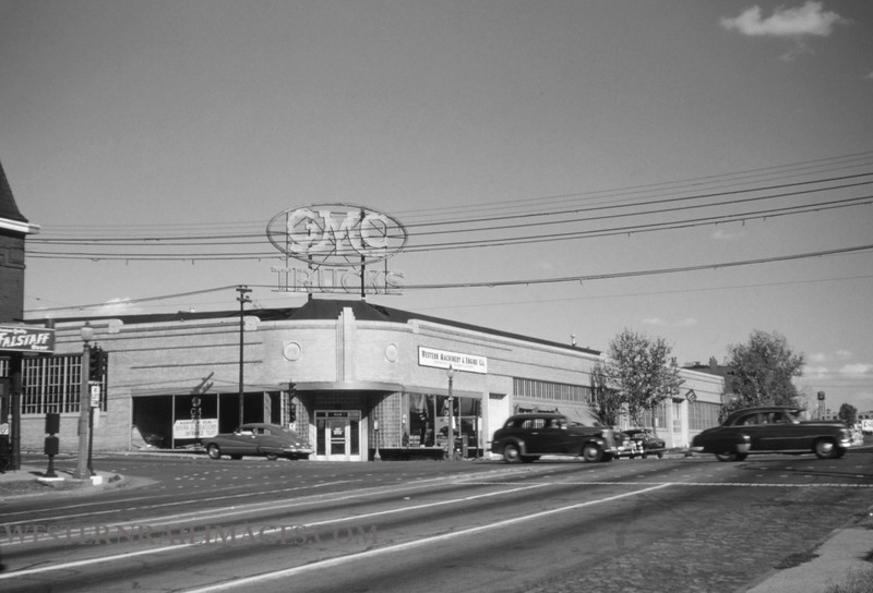 PSCO 38 - Oct 3 1954 - looking northeast at Grand & Market - St Louis MO