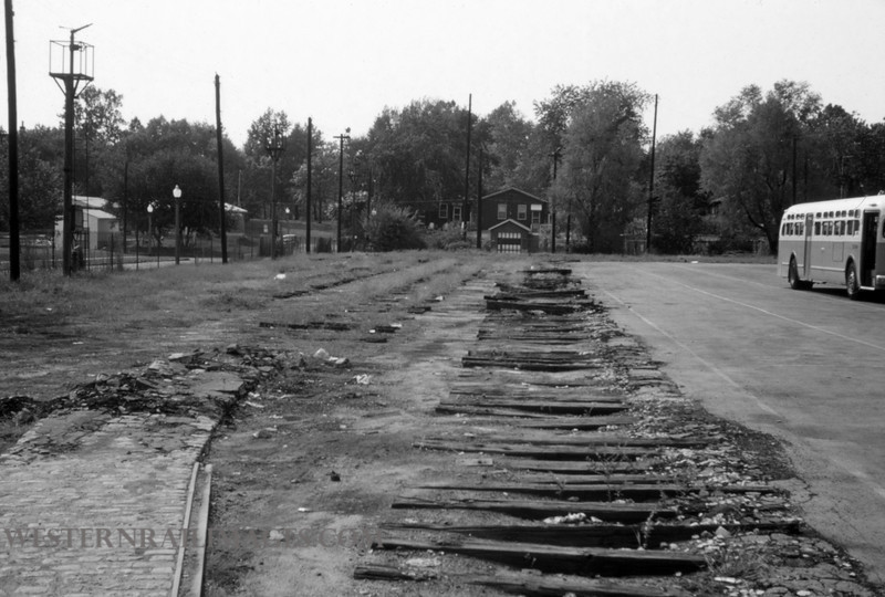 PSCO 261 - Sep 4 1960 - old trolley track S Broadway - St Louis MO