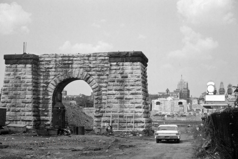 PSCO 257 - Sept 4 1960 - old grand ave viaduct pier - St Louis MO