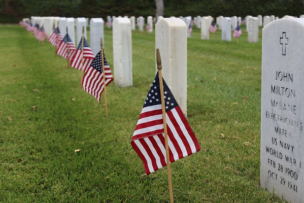 160528 Memorial Day Flag Placement