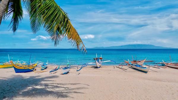 Beautiful White Beach in Puerto Galera, Philippines.