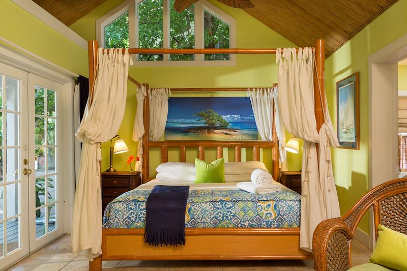 Tropical Inn, FL