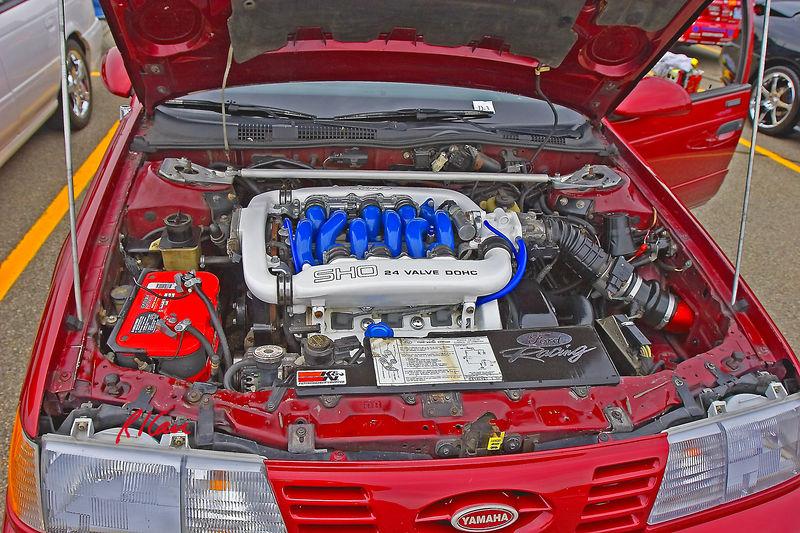 Auto, car, engine: Yamaha SHO V6 24 valve DOHC (dual overhead cam) engine driving SHO car. University of Michigan SAE Car Show, September 2005.