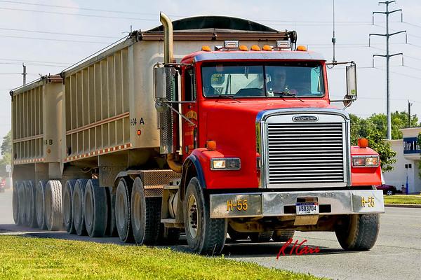 Trucks - MyConstructionPhotos