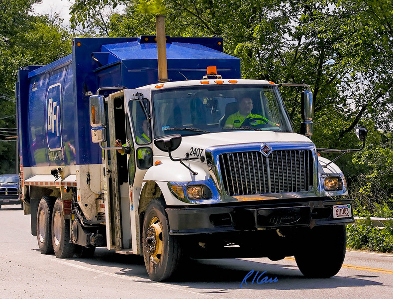 International garbage truck, Groton, Massachusetts, 2007.