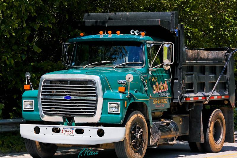 Ford L8000 dump truck, Groton, Massachusetts, 2007.