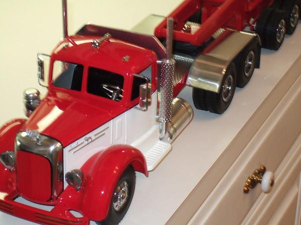 Smith Miller Lmack 5th wheel truck.