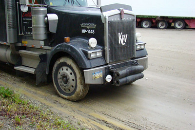 "The front ""Push"" bumper on this KW W900L shows signs of having done some recent work."