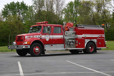 1996 E-One International 1250 gpm pumper with 500 gal. water tank