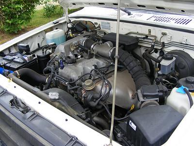 89 Mazda B2600i
