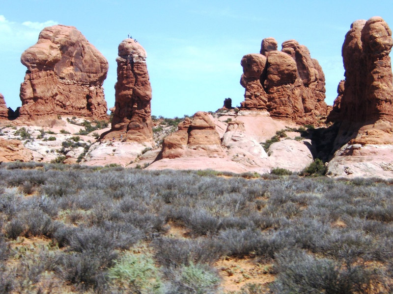 Towers in Arches NP.  Notice the people?  (DR)