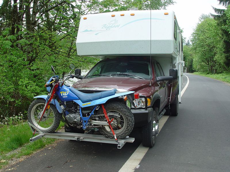 Here I have installed the front motorcycle carrier.  The bike on the carrier is my wifes Yamaha TW-200, dual sport.