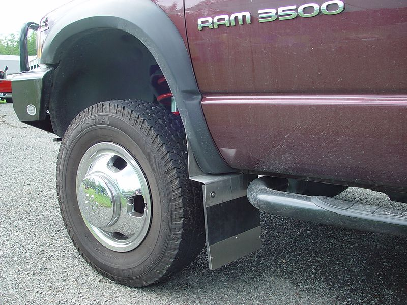 This is the front mud flap.