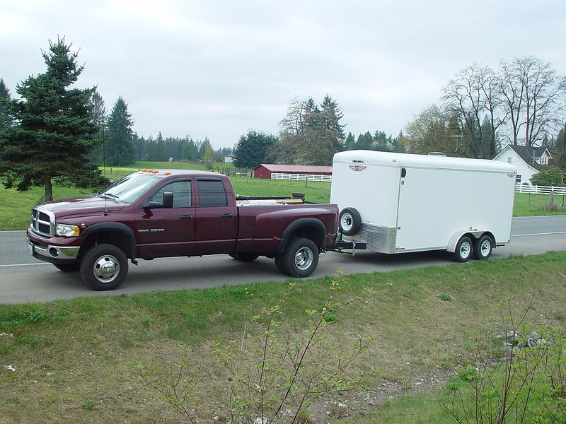 Here's a shot of the truck and trailer.