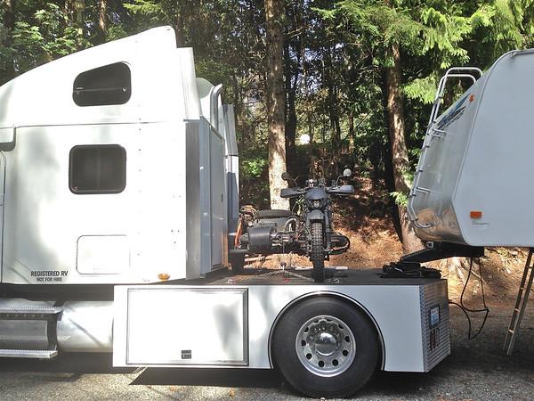 My Freightliner, toy hauler puller - Mr-Cob