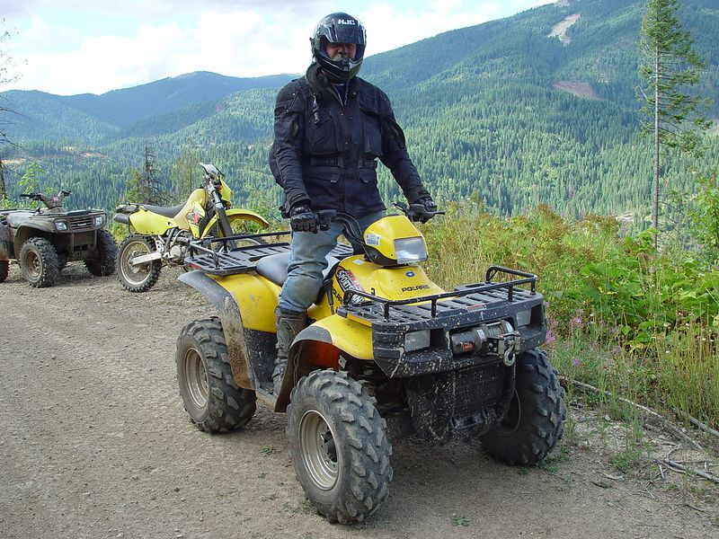 Byron let me ride his quad on the afternoon trail ride, it was GREAT.