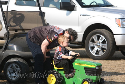 TRUCK & TRACTOR PULLING 2015