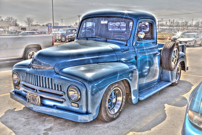 Saw this truck in Rural King's parking lot - it needed to be photographed!  In speaking with those who know old trucks, we determined it must be a very skillful composite of several styles: still enjoyed looking at it!