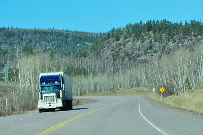 Trucking trans Canada Highway, 661