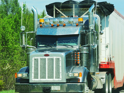 Trucking Travel In Canada