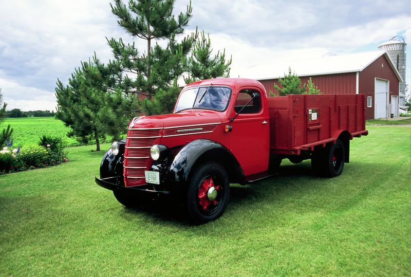 1938 International Truck - 01