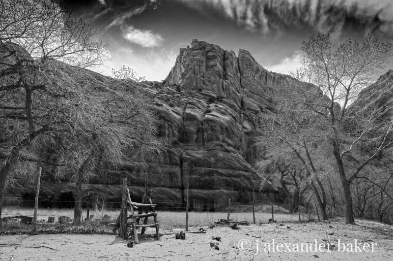 Navajo Fence Stile
