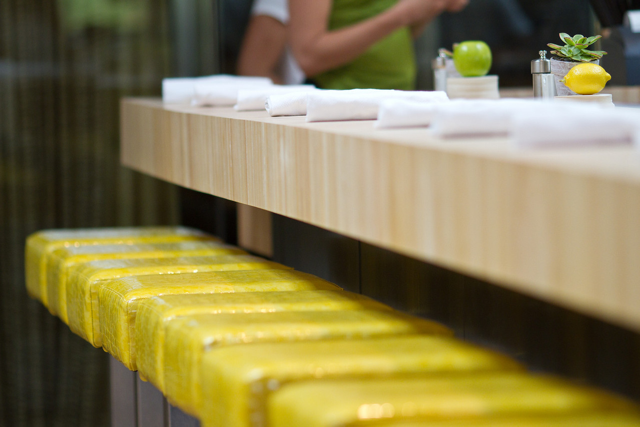 Juice bar seating