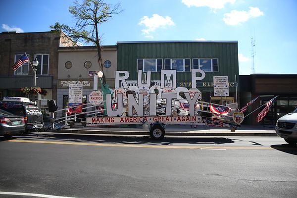 Trump Bridge visits Bennington. 090518