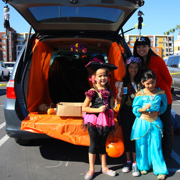 2012-10-29 Trunk or Treat