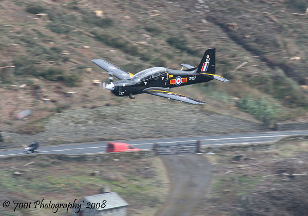 ZF137/'137' (207(R) SQN marks) Tucano T.1 - 27th March 2008.