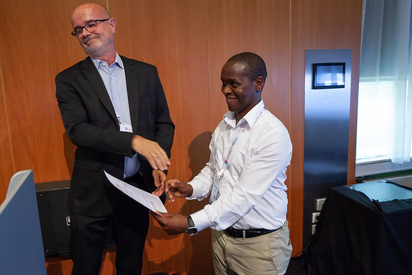 The Netherlands, Amsterdam, 24-7-2018.  Prize beingh handed, Strategies For Cure  Photo: Rob Huibers for IAS. (Please publish always with complete attribution).