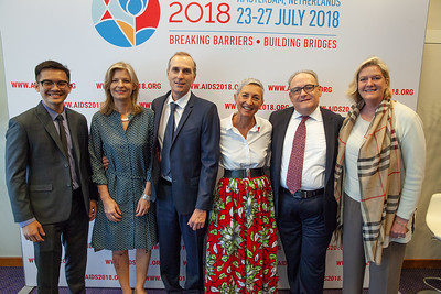 The Netherlands, Amsterdam, 24-7-2018.  Press Conference HIV Prevention Highlights Research. Green room group shot:  L-R Akarin Hiransuthikul, Alison Rodger, Jean-Michael Molina, Linda-Gail Bekker, Frank Tomaka, Sara Brown. Photo: Rob Huibers for IAS.  (Please publish always with complete attribution).