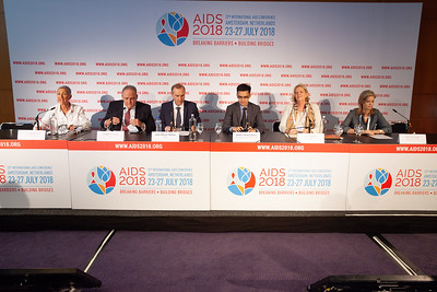 The Netherlands, Amsterdam, 24-7-2018.  Press Conference HIV Prevention Highlights Research.  L-R Linda-Gail Bekker, Frank Tomaka, Jean-Michael Molina, Akarin Hiransuthikul, Sara Brown, Alison Rodger Photo: Rob Huibers for IAS.  (Please publish always with complete attribution).