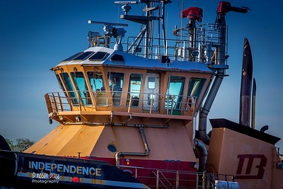 20160601 - Tug Independence Wheelhouse