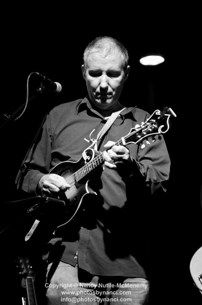 David Bromberg Quartet Angel Band opened Tupelo Music Hall, White River Junction VT October 14, 2011 Copyright ©2011 Nancy Nutile-McMenemy www.photosbynanci.com Performance Review: http://photosbynanci.blogspot.com/2011/10/david-bromberg-quartet-wows-tupelo-wrj.html