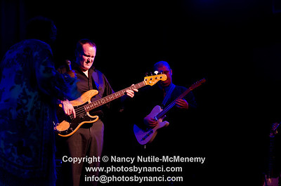 Francine Reed Tupelo Music Hall, White River Junction VT May 18, 2012 Copyright ©2012 Nancy Nutile-McMenemy www.photosbynanci.com More images of Francine with Lyle Lovett: http://www.photosbynanci.com/lylelovett.html