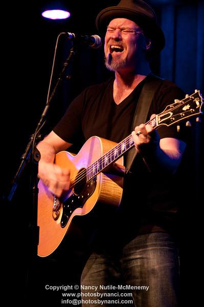Shawn Mullins Callahan opened Tupelo Music Hall White River Junction VT May 1, 2011 Copyright ©2011 Nancy Nutile-McMenemy www.photosbynanci.com