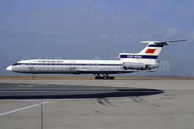 Aeroflot Russian International Airlines Tupolev Tu-154B-2 CCCP-85566 (msn 82A566) CDG (Christian Volpati). Image: 944541.