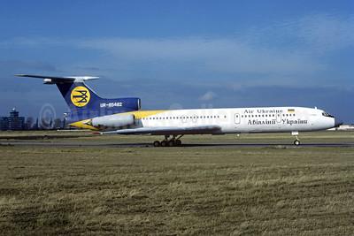 Air Ukraine Tupolev Tu-154B-2 UR-85482 (msn 81A482) PRG (Christian Volpati Collection). Image: 952437.
