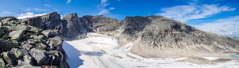 Panorama av alle Snøhettas topper.
