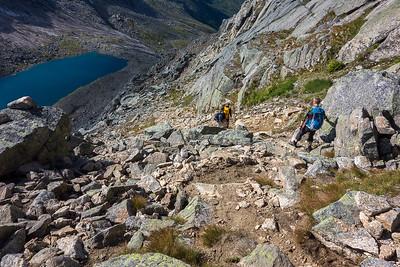 Nedstigningen fra Halls Fortopp mot Svartvatnet