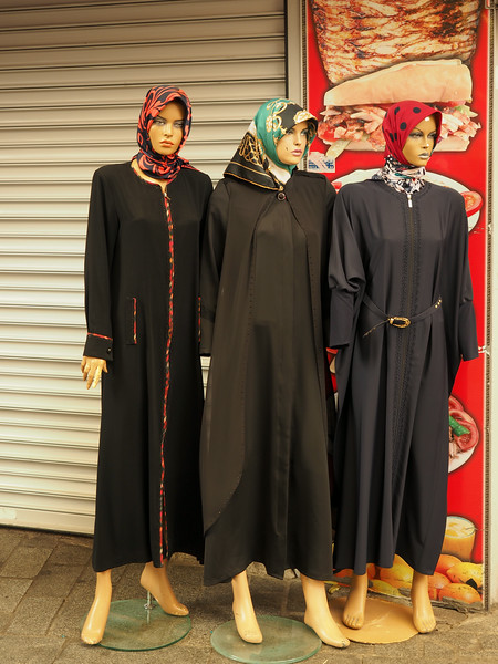 Purdah fashions, Sultanahmet, Istanbul