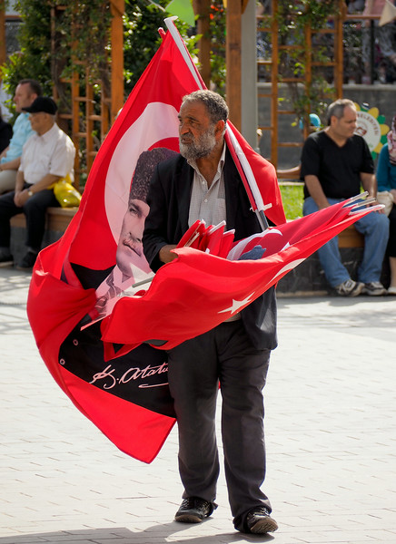 Street vendor near New Mosque, Sultanahmet, Istanbul