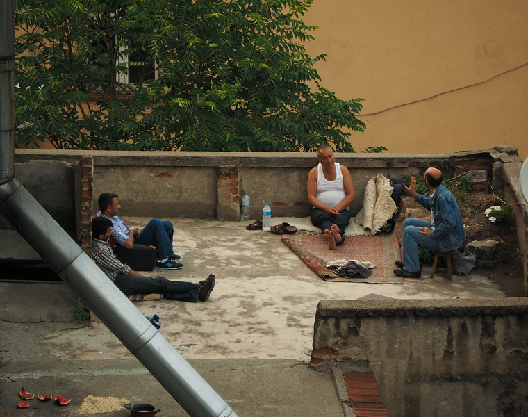 Rooftop chat, Istanbul