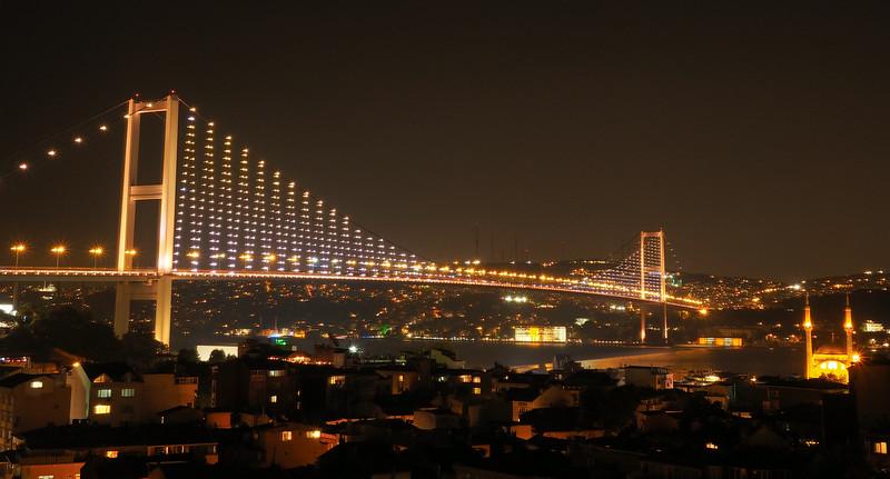 Bosphorous bridge connecting Europe and Asia, Istanbul