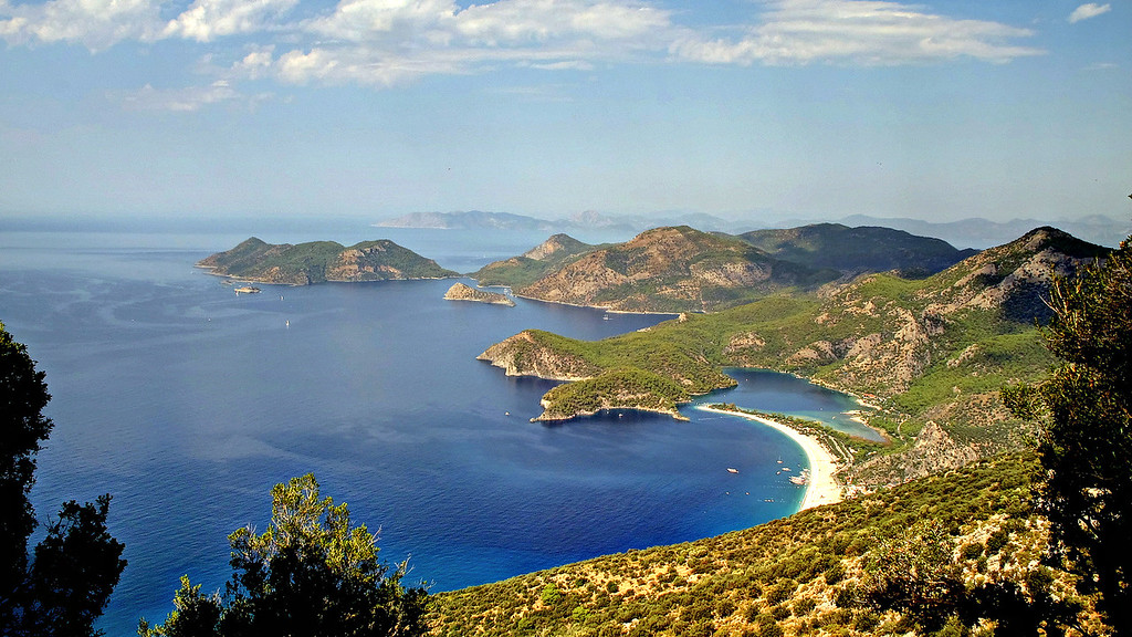 Day 4 - looking down on Oludeniz, infinity and beyond!